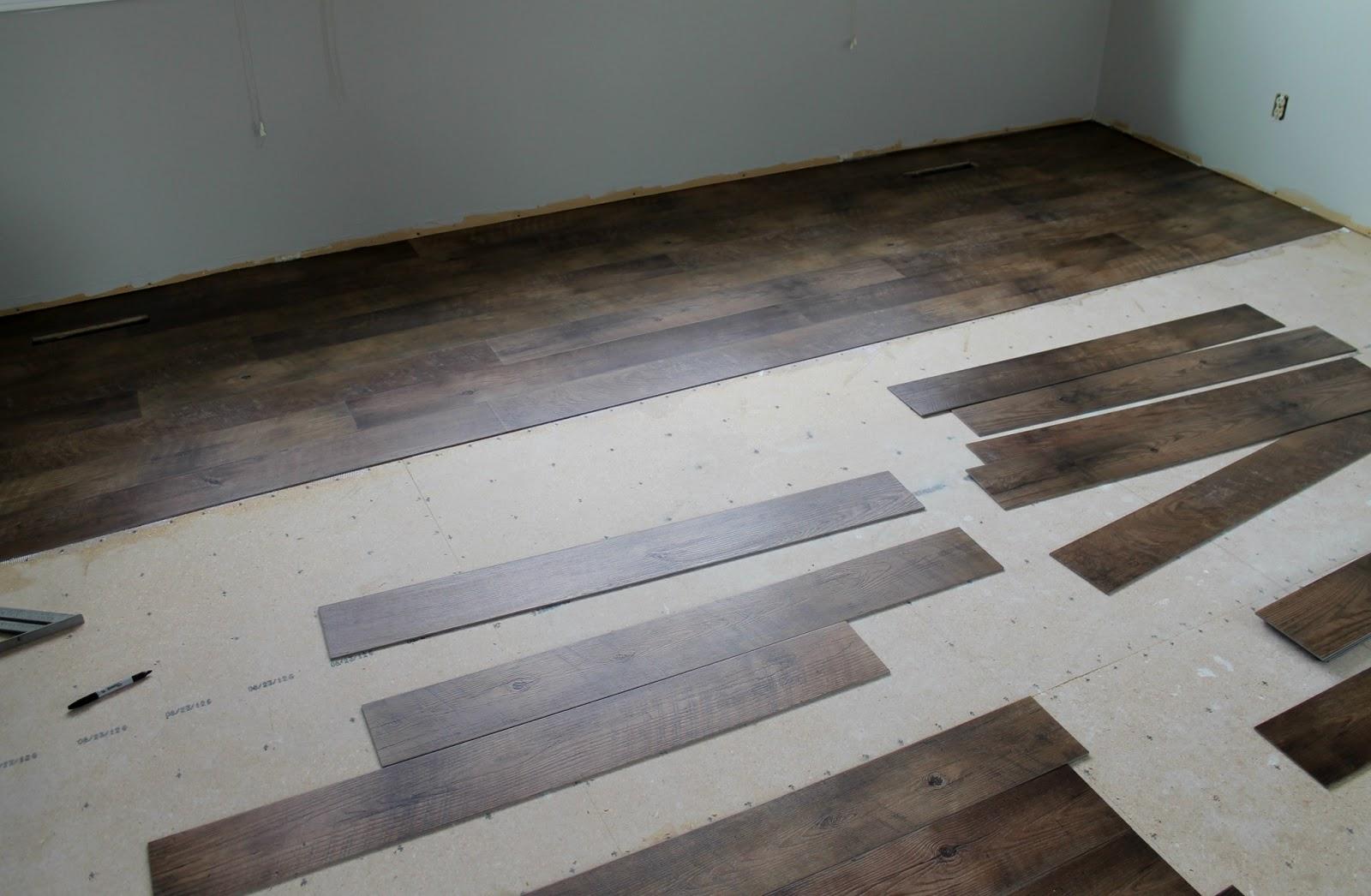 Vinyl plank flooring vs laminate amusing laminate vs for Laminate and vinyl flooring